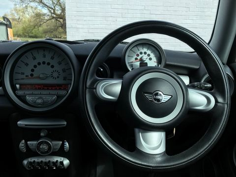 2007 MINI Hatch 1.6 Cooper 3dr - Picture 14 of 30