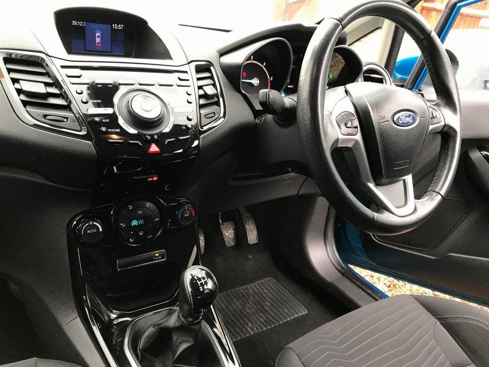 2013 Ford Fiesta 1.5 TDCi Titanium 5dr - Picture 11 of 28