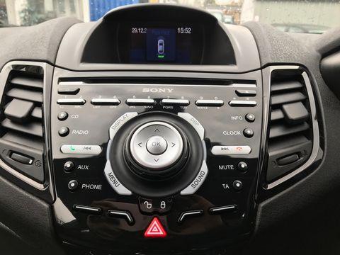 2013 Ford Fiesta 1.5 TDCi Titanium 5dr - Picture 13 of 28