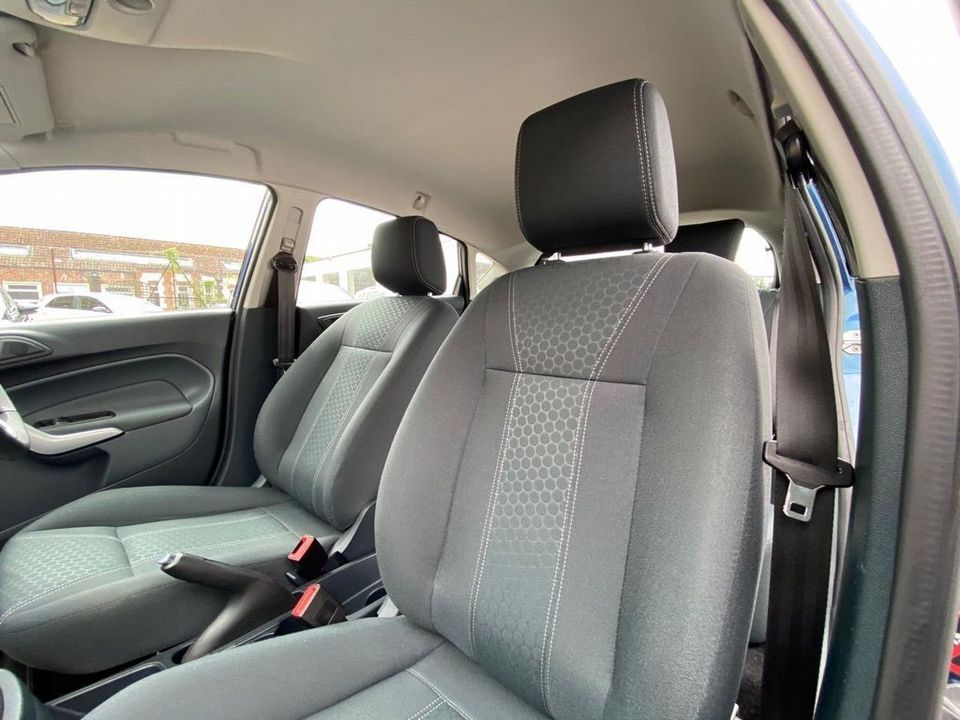2009 Ford Fiesta 1.25 Zetec 5dr - Picture 21 of 28