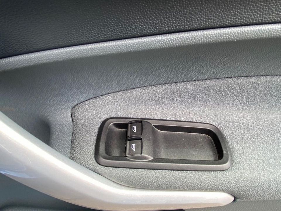 2009 Ford Fiesta 1.25 Zetec 5dr - Picture 27 of 36