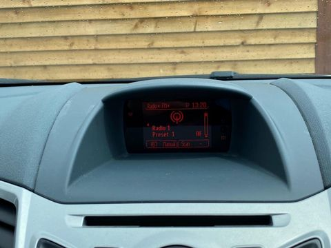 2009 Ford Fiesta 1.25 Zetec 5dr - Picture 28 of 36