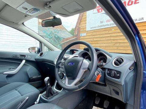2009 Ford Fiesta 1.25 Zetec 5dr - Picture 32 of 36