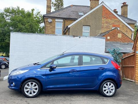2009 Ford Fiesta 1.25 Zetec 5dr - Picture 7 of 36