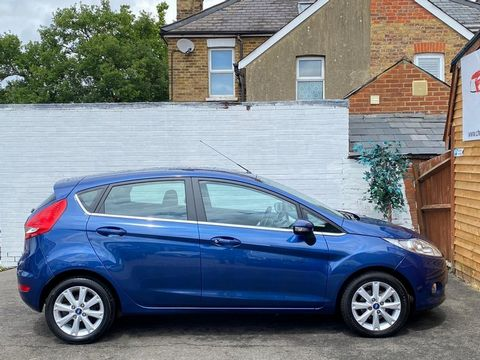 2009 Ford Fiesta 1.25 Zetec 5dr - Picture 9 of 36