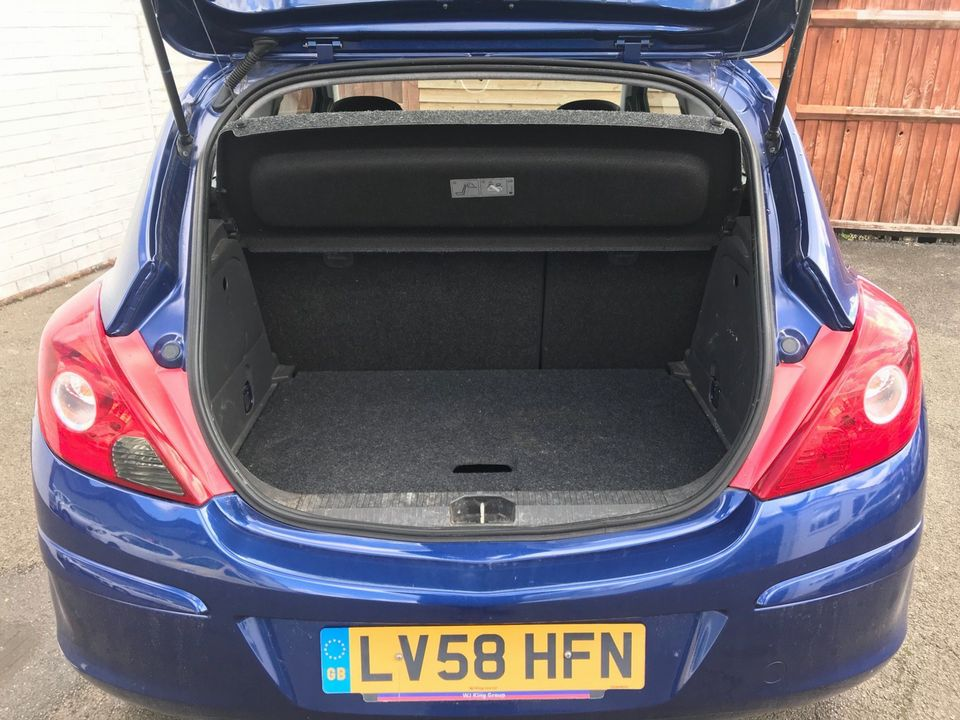 2008 Vauxhall Corsa 1.4 i 16v Club 3dr - Picture 11 of 35