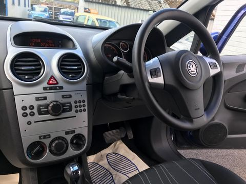 2008 Vauxhall Corsa 1.4 i 16v Club 3dr - Picture 14 of 35