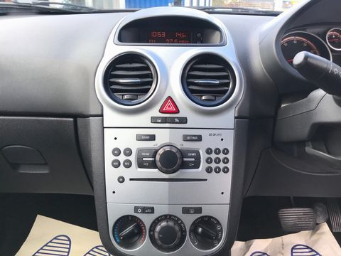2008 Vauxhall Corsa 1.4 i 16v Club 3dr - Picture 20 of 35