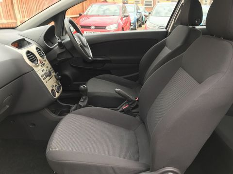 2010 Vauxhall Corsa 1.2 i 16v Energy 3dr (a/c) - Picture 15 of 31