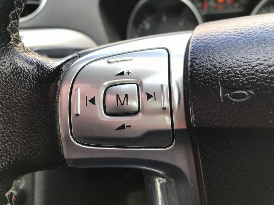 2012 Ford S-Max 2.0 TDCi Zetec Powershift 5dr - Picture 19 of 29