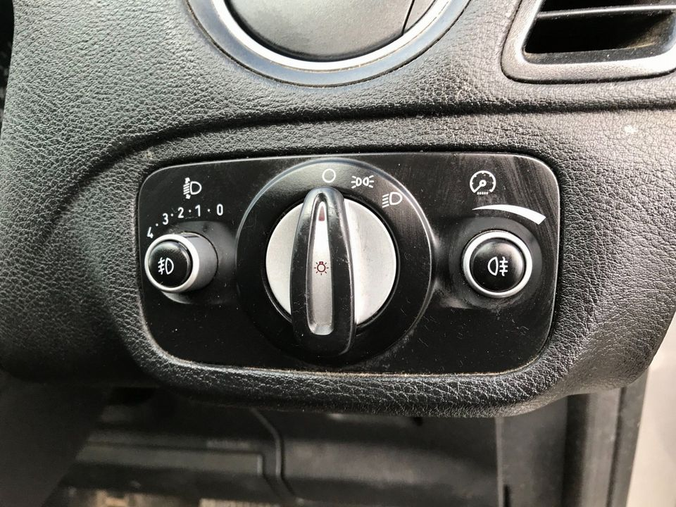 2012 Ford S-Max 2.0 TDCi Zetec Powershift 5dr - Picture 21 of 29