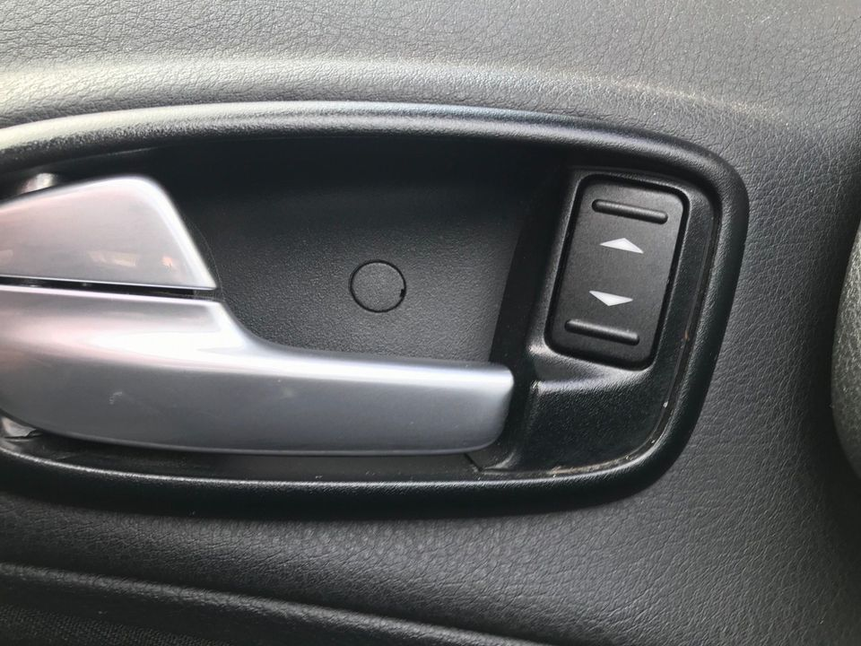 2012 Ford S-Max 2.0 TDCi Zetec Powershift 5dr - Picture 24 of 29
