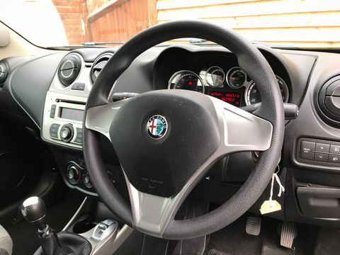 2011 Alfa Romeo MiTo 1.4 16V Junior 3dr - Picture 11 of 30