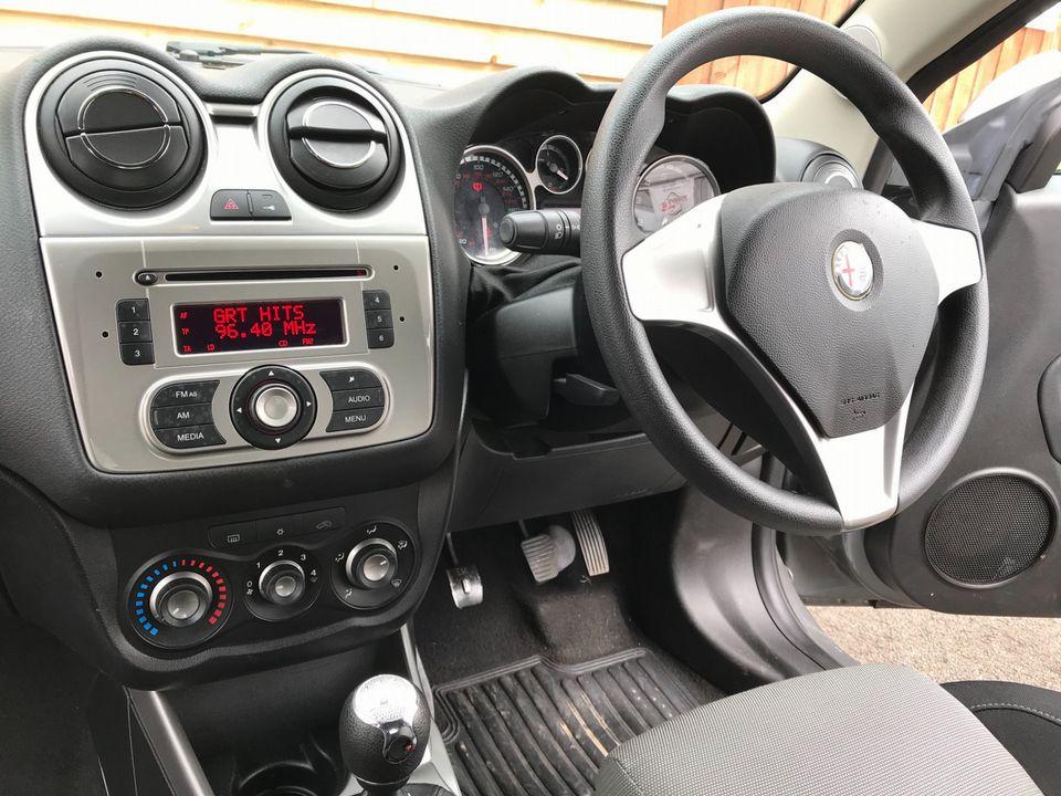 2011 Alfa Romeo MiTo 1.4 16V Junior 3dr - Picture 13 of 30