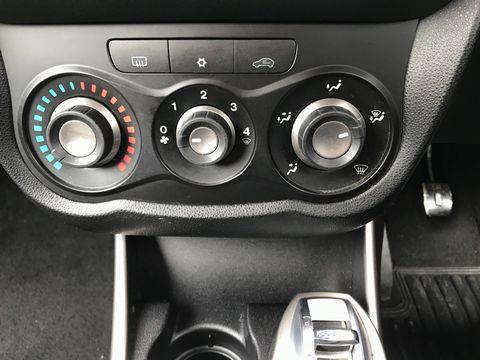 2011 Alfa Romeo MiTo 1.4 16V Junior 3dr - Picture 22 of 30