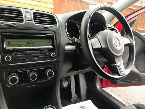 2009 Volkswagen Golf 1.6 TDI S 5dr - Picture 14 of 30