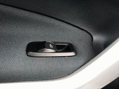 2012 Ford Fiesta 1.25 Zetec 3dr - Picture 31 of 34