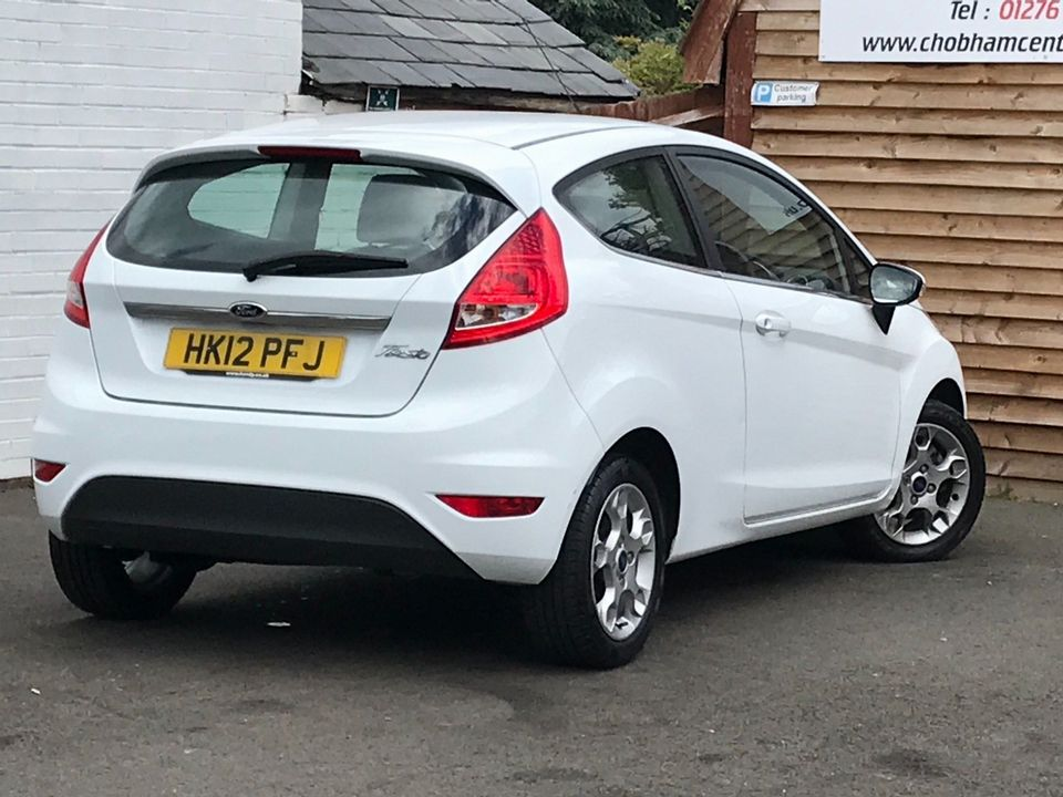 2012 Ford Fiesta 1.25 Zetec 3dr - Picture 6 of 34