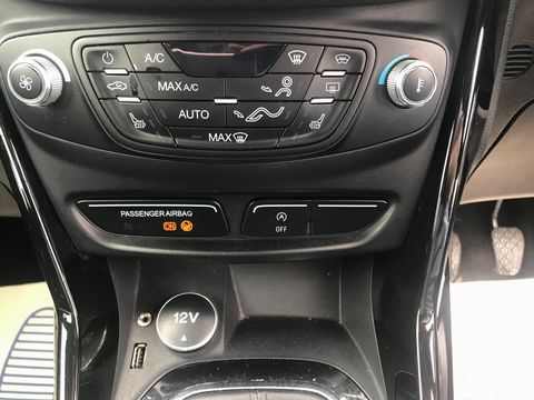 2013 Ford B-Max 1.0T EcoBoost Titanium (s/s) 5dr (EU5) - Picture 24 of 31