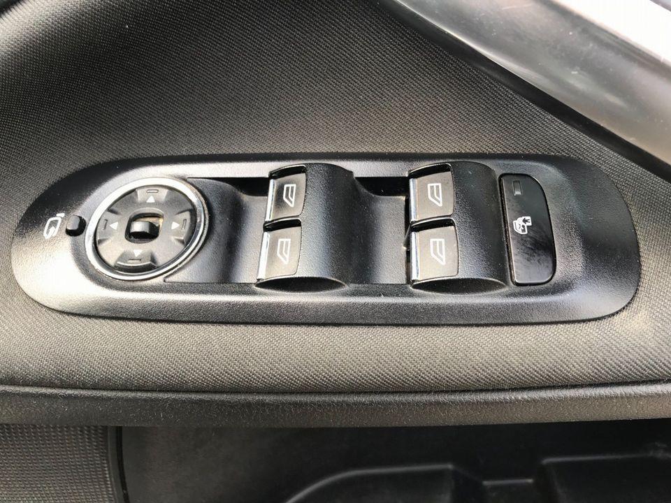 2012 Ford Mondeo 2.0 TDCi Titanium 5dr - Picture 27 of 34