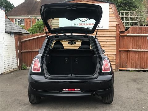 2013 MINI Hatch 1.6 First 3dr - Picture 10 of 30