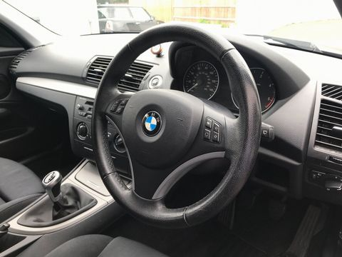 2009 BMW 1 Series 2.0 116d Sport 5dr - Picture 12 of 34