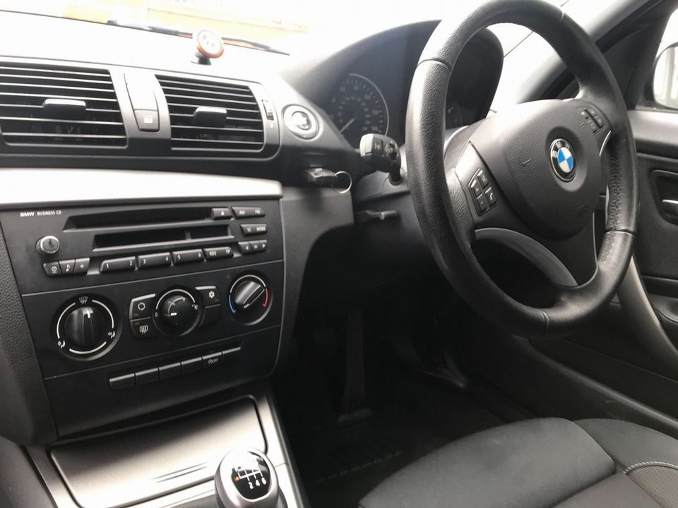 2009 BMW 1 Series 2.0 116d Sport 5dr - Picture 14 of 34