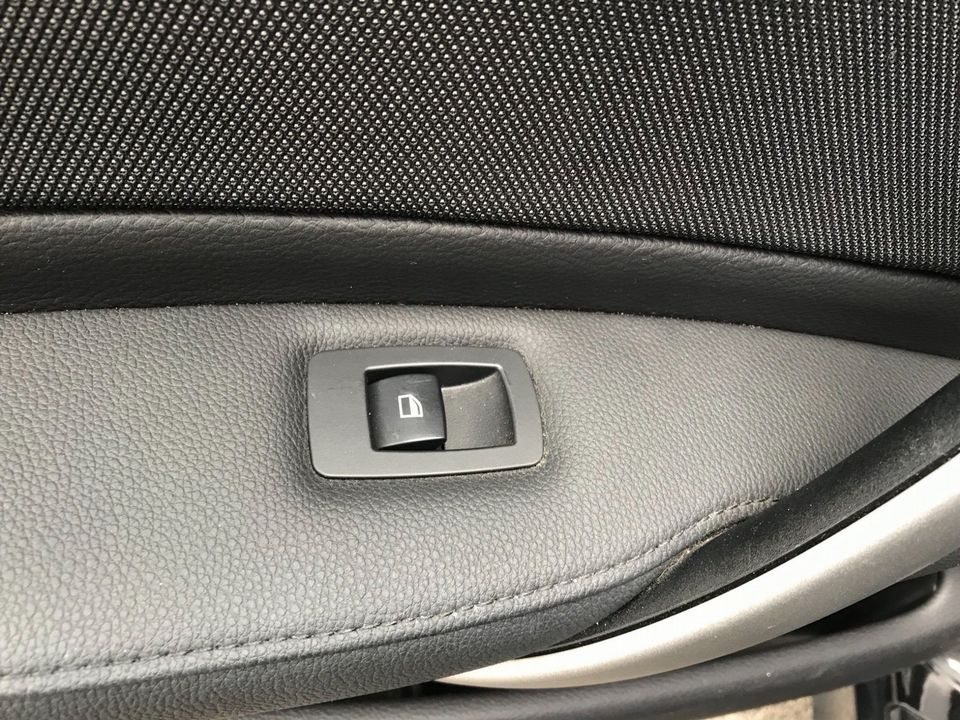 2009 BMW 1 Series 2.0 116d Sport 5dr - Picture 29 of 34