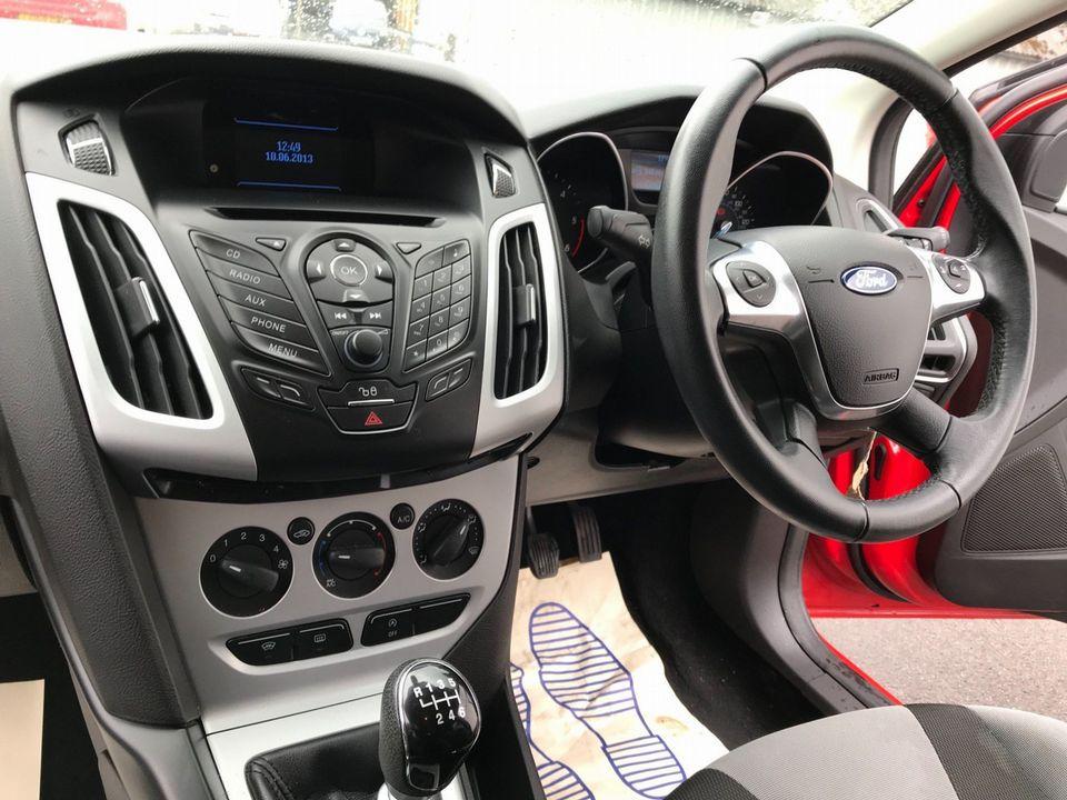 2013 Ford Focus 1.6 TDCi Zetec 5dr - Picture 11 of 34