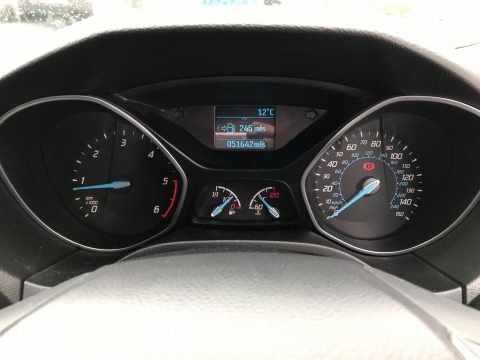 2013 Ford Focus 1.6 TDCi Zetec 5dr - Picture 24 of 34