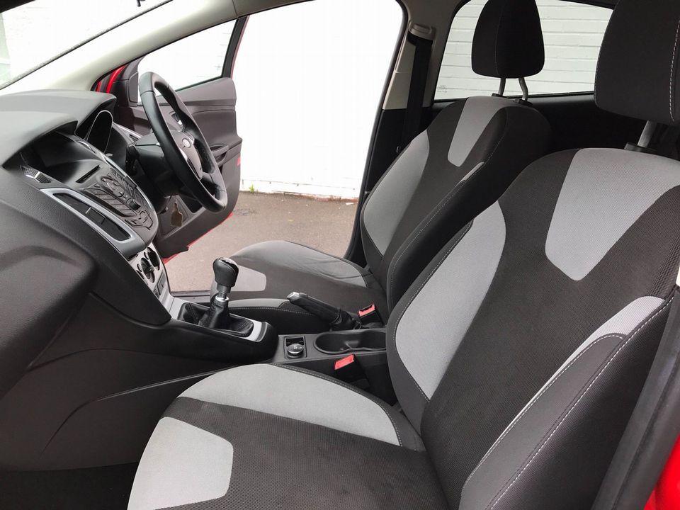 2013 Ford Focus 1.6 TDCi Zetec 5dr - Picture 14 of 33