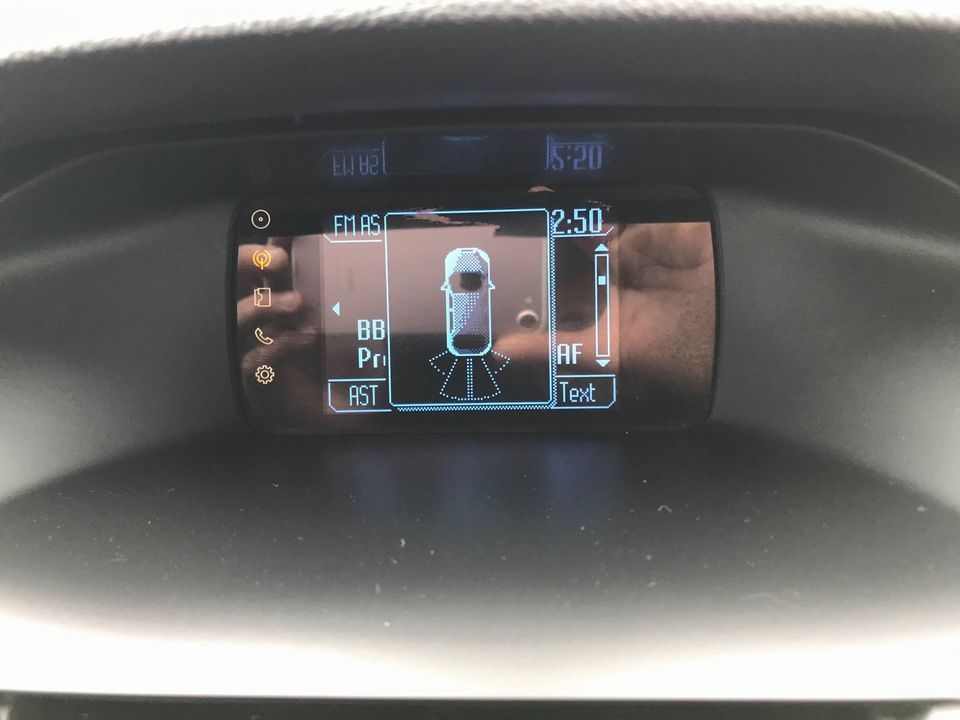 2013 Ford Focus 1.6 TDCi Zetec 5dr - Picture 19 of 33