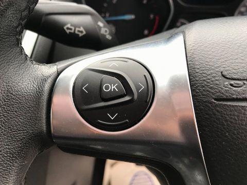 2013 Ford Focus 1.6 TDCi Zetec 5dr - Picture 26 of 33