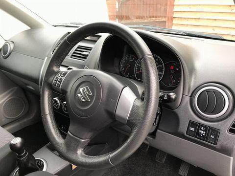 2008 Suzuki SX4 1.6 GLX 5dr - Picture 14 of 34