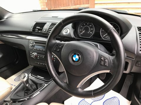 2011 BMW 1 Series 2.0 118d Sport 2dr - Picture 19 of 39