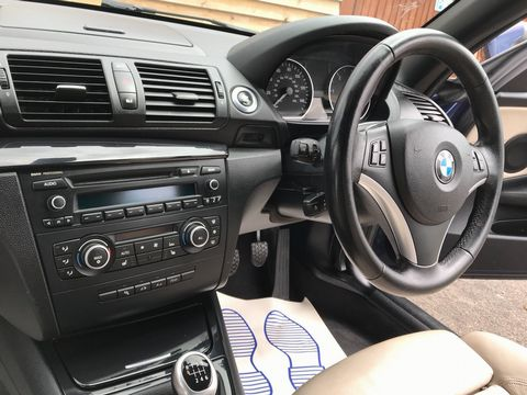 2011 BMW 1 Series 2.0 118d Sport 2dr - Picture 21 of 39