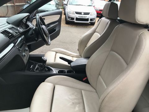2011 BMW 1 Series 2.0 118d Sport 2dr - Picture 23 of 39
