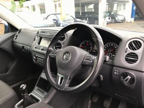 2012 Volkswagen Tiguan 2.0 TDI BlueMotion Tech SE 2WD (s/s) 5dr - Picture 12 of 38