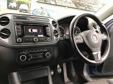 2012 Volkswagen Tiguan 2.0 TDI BlueMotion Tech SE 2WD (s/s) 5dr - Picture 14 of 38