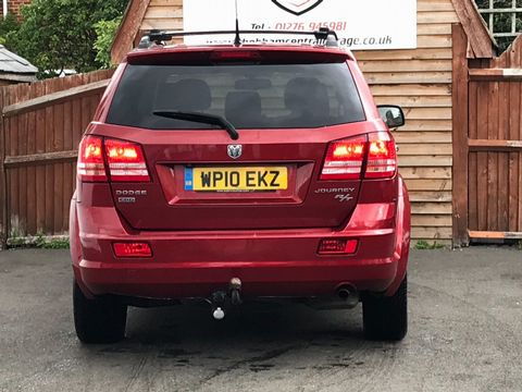 2010 Dodge Journey 2.0 CRD RT 5dr - Picture 5 of 15