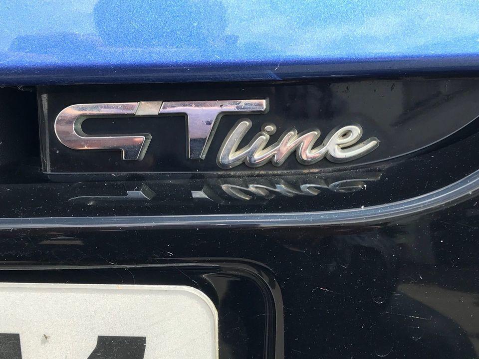 2011 Renault Megane 1.5 dCi Dynamique TomTom Sport Tourer 5dr - Picture 12 of 36