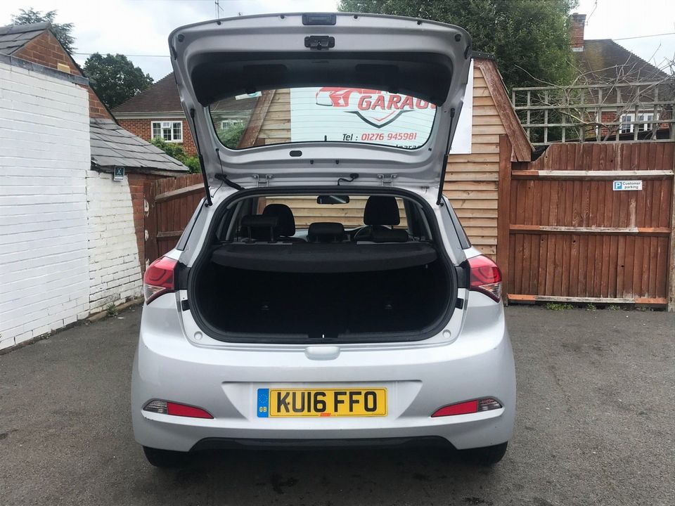 2016 Hyundai i20 1.2 Blue Drive S (s/s) 5dr - Picture 10 of 30