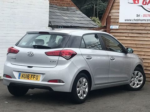 2016 Hyundai i20 1.2 Blue Drive S (s/s) 5dr - Picture 8 of 30