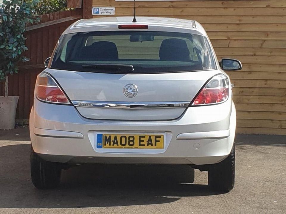 2008 Vauxhall Astra 1.8 i 16v Life Hatchback 5dr Petrol Automatic (187 g/km, 138 bhp) - Picture 11 of 20