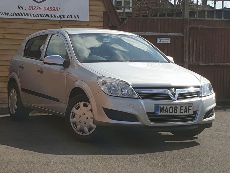 2008 Vauxhall Astra 1.8 i 16v Life Hatchback 5dr Petrol Automatic (187 g/km, 138 bhp) - Picture 1 of 20