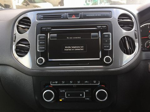 2013 Volkswagen Tiguan 2.0 TDI BlueMotion Tech SE 2WD (s/s) 5dr - Picture 18 of 40