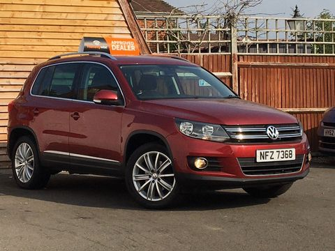 2013 Volkswagen Tiguan 2.0 TDI BlueMotion Tech SE 2WD (s/s) 5dr - Picture 1 of 40