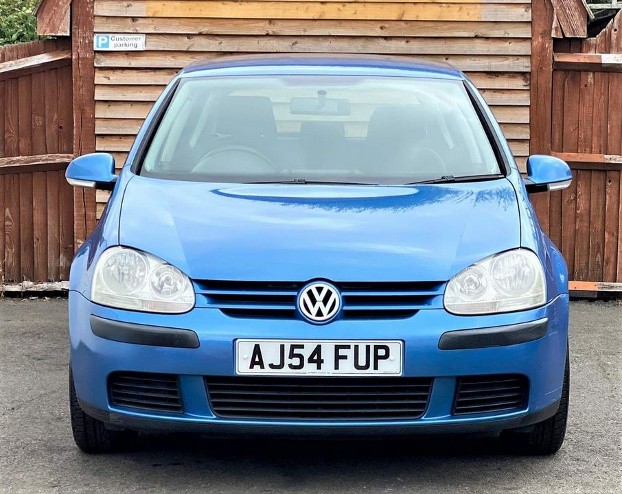 2004 Volkswagen Golf 1.6 FSI S 5dr - Picture 2 of 13