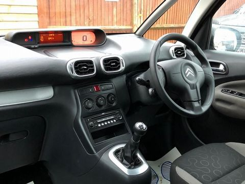 2009 Citroen C3 Picasso 1.6 HDi 8v VTR+ 5dr - Picture 16 of 27