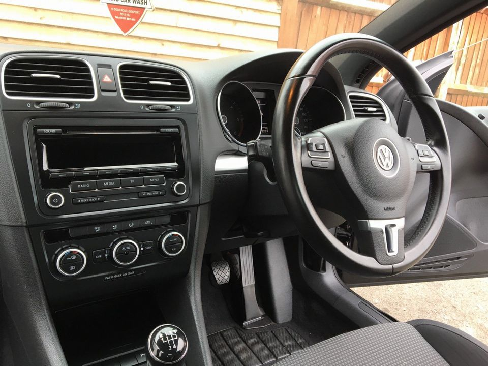 2013 Volkswagen Golf 1.6 TDI BlueMotion Tech SE Cabriolet 2dr - Picture 20 of 37
